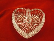 Jabberjewelry.com New Crystal Glass Heart Ring Holder