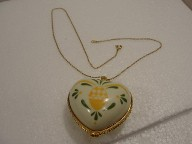 Porcelain Pendant Heart Trinket Box