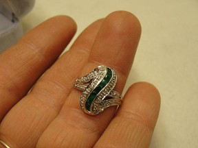 Jabberjewelry.com White Gold Diamond Emerald Ring