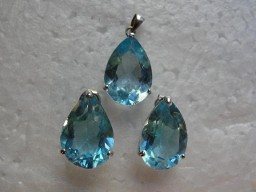 Jabberjewelry.com Sky Blue Topaz Pendant Earrings Set White Gold