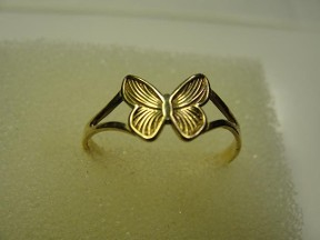 Jabberjewelry.com 10 kt gold Butterfly Toe Ring