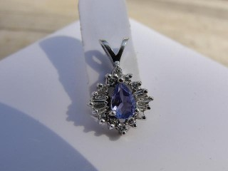 Jabberjewelry.com Tanzanite & Diamond White Gold Pendant