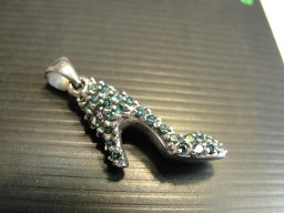 Jabberjewelry.com Blue Diamond White Gold High Heel Shoe Pendant