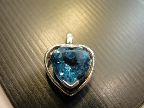 Jabberjewelry.com Blue Topaz & White Gold Floating Heart Pendant