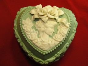 Green Heart Box Cameo Lady & Flowers On Top Trinket Box